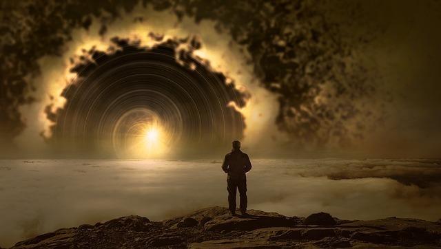 神秘的な光を見る人物