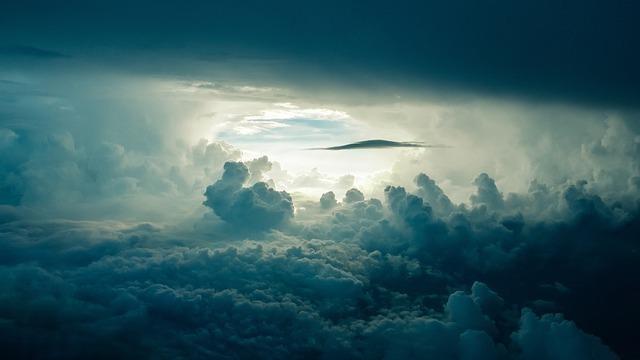 セレスティアはラテン語の「空」に由来します