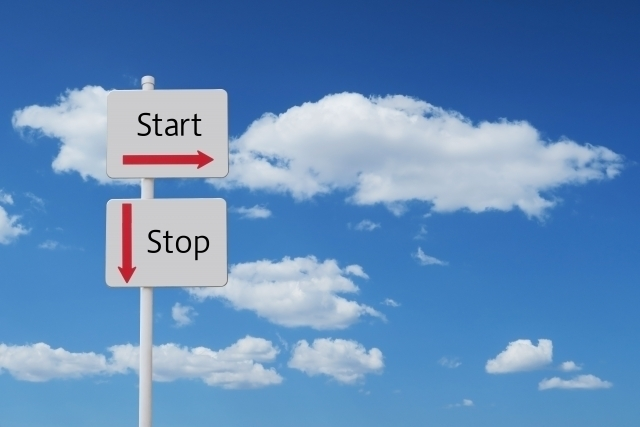 START/STOPの看板