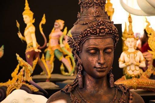 バリ風の仏像の画像