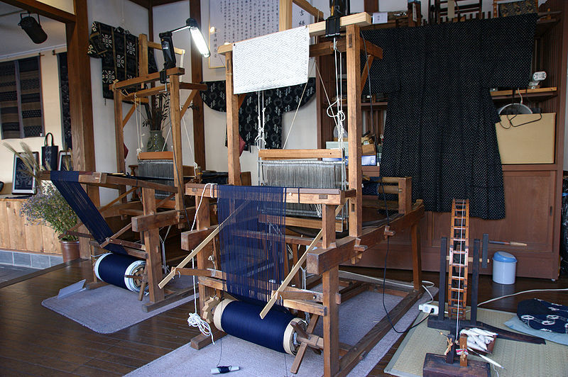 絣の機織り機