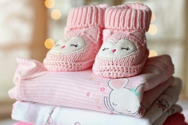 赤ちゃんの衣類と靴