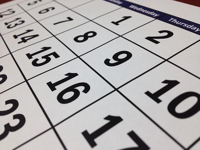 かつて祭日も書かれていたカレンダー