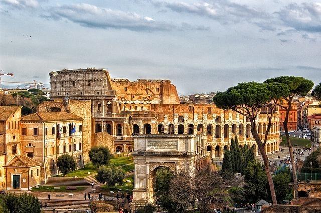 ローマ帝国のコロッセオ