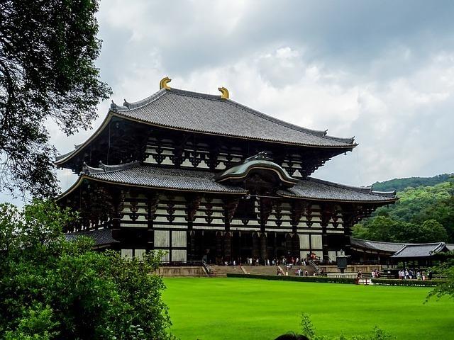 奈良市内にある東大寺大仏殿
