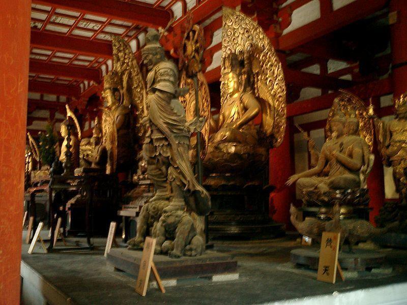 東寺講堂の梵天像