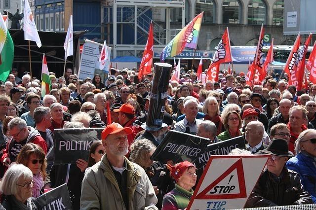 労働者のデモ行進