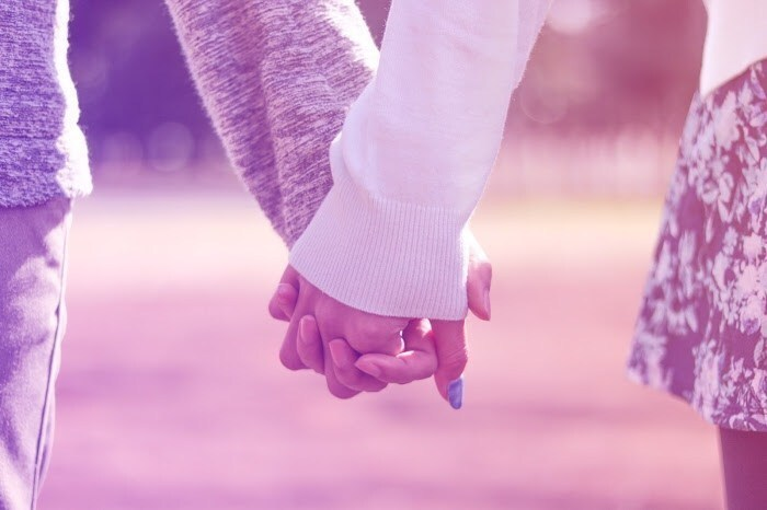 蟹座でAB型の女性の恋愛傾向①尽くされることが苦手ではない人が好み