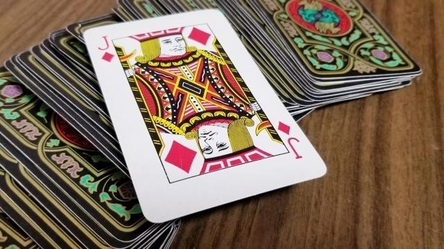 性格を占う「アイズ・オブ・コートカード」