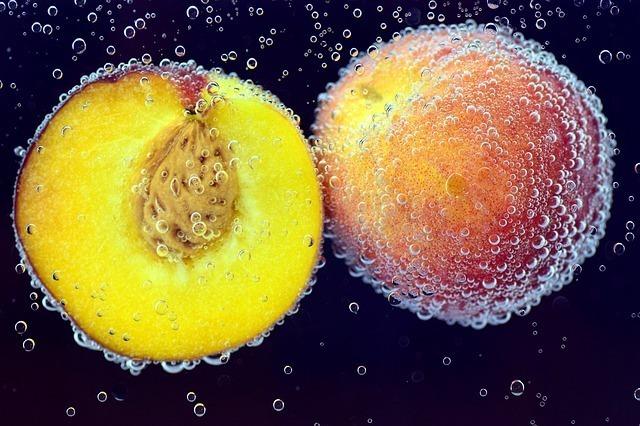 桃の天然水とは