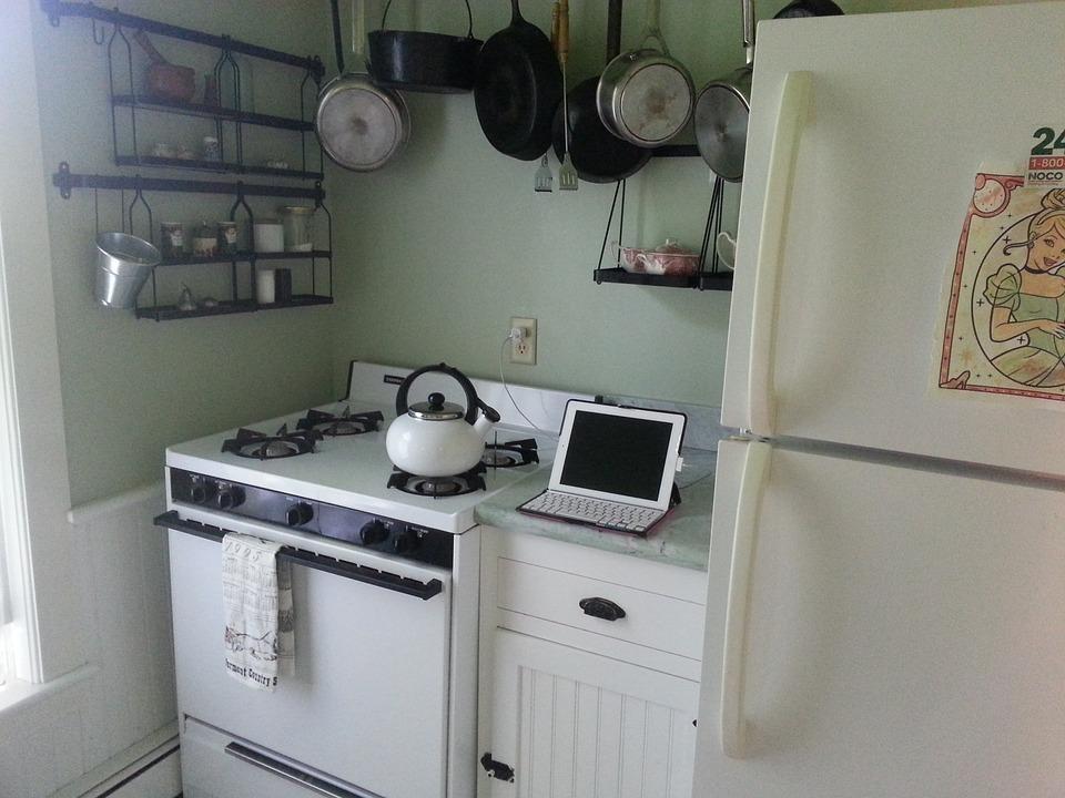 冷蔵庫の周囲に十分なスペースがない