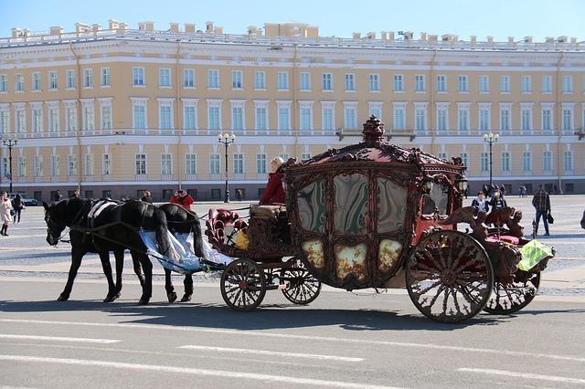 街中を進む国王の馬車
