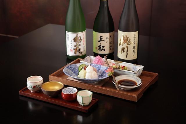 「日本といえば」で連想される人気のお土産2位:日本酒