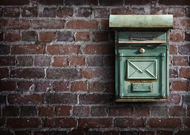 受け取りは郵便受けへの投函