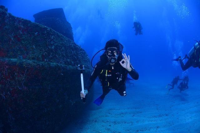 チャレンジャー海淵の深さ