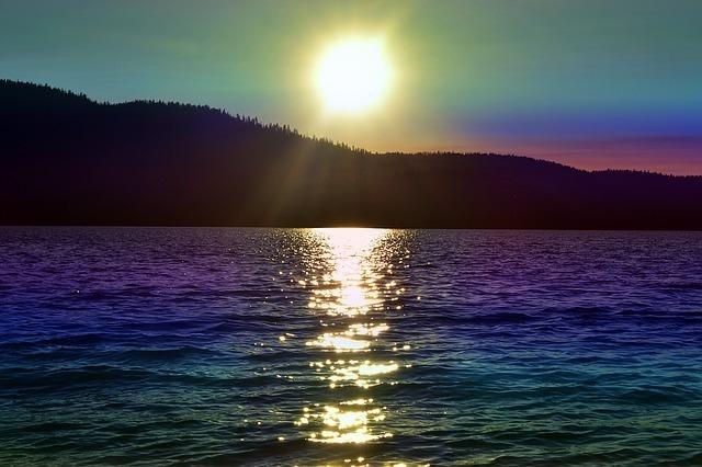 太陽と虹色