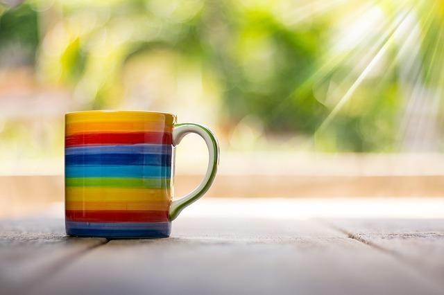 虹色のコップ