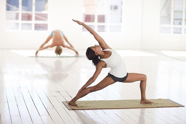 ヨガや瞑想と組み合わせて実践することもできる