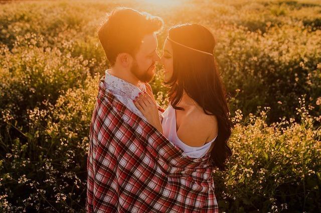 恋愛について、真のパートナーを見つけましょう