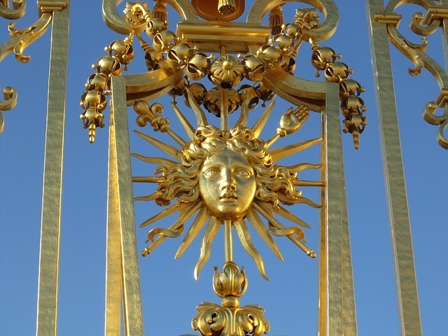 太陽を模したオブジェ