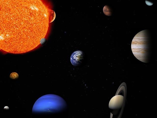 太陽系では地球は何番目の大きさ?