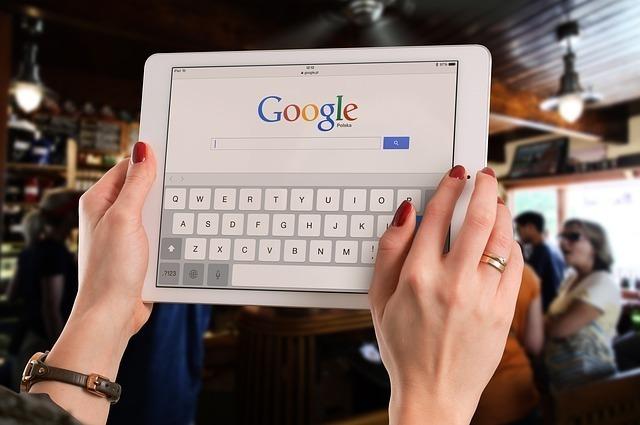 インターネット時代を象徴する「検索」と「共有」