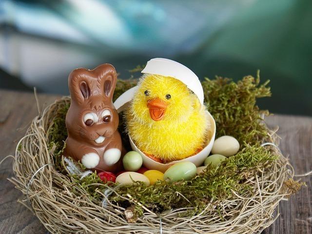 ヒヨコとウサギの人形