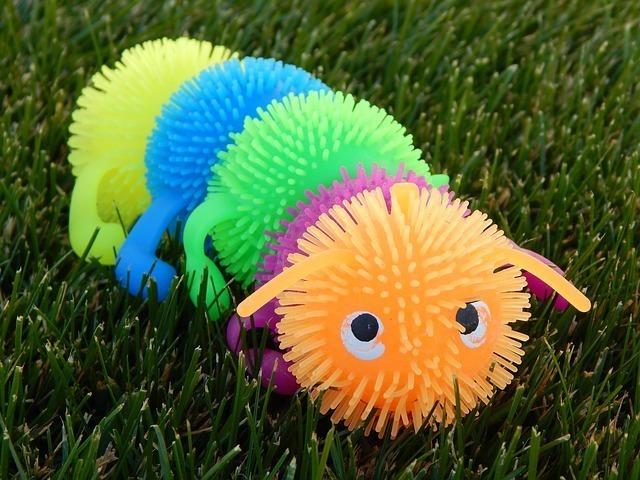 おもちゃの虫