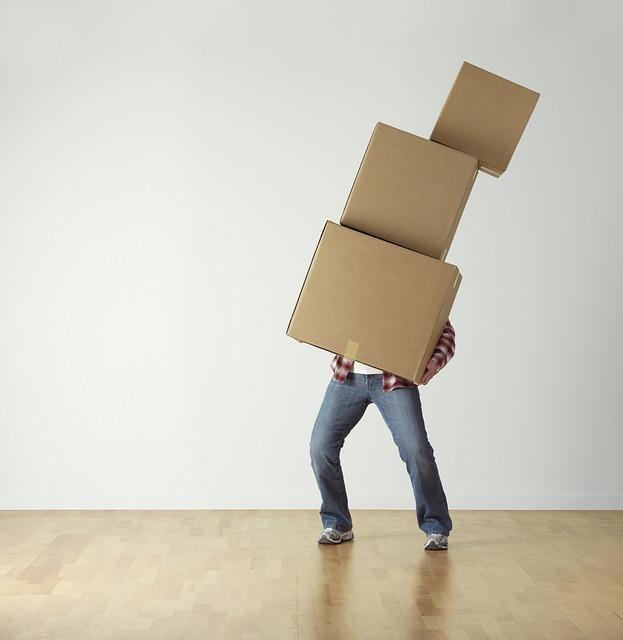 【夢占い】準備・荷造りをしている引っ越しの夢