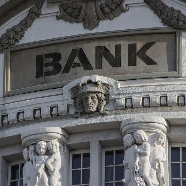 金融業界、法律業界の場合