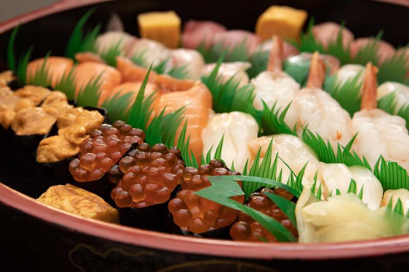 【夢占い】寿司を見る夢