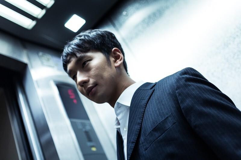 エレベーターの中に閉じ込められる夢
